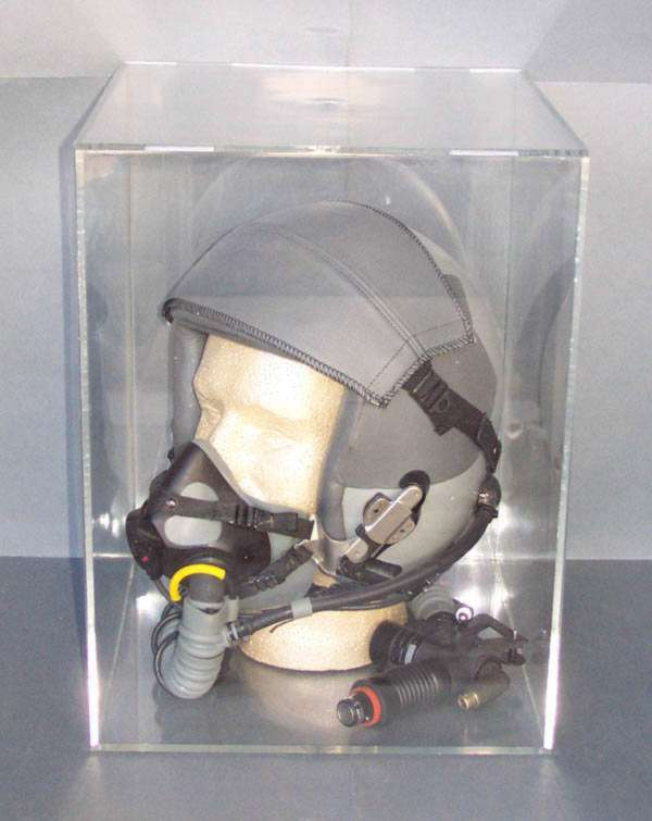 Helmet / Head Display Case