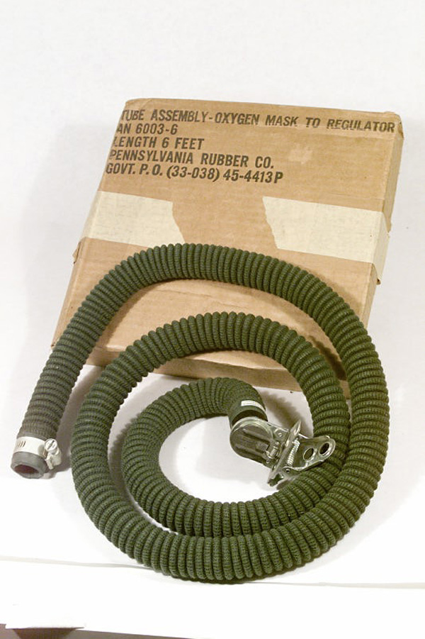 WW2 USAAF Oxgyen Extension Hose in original box