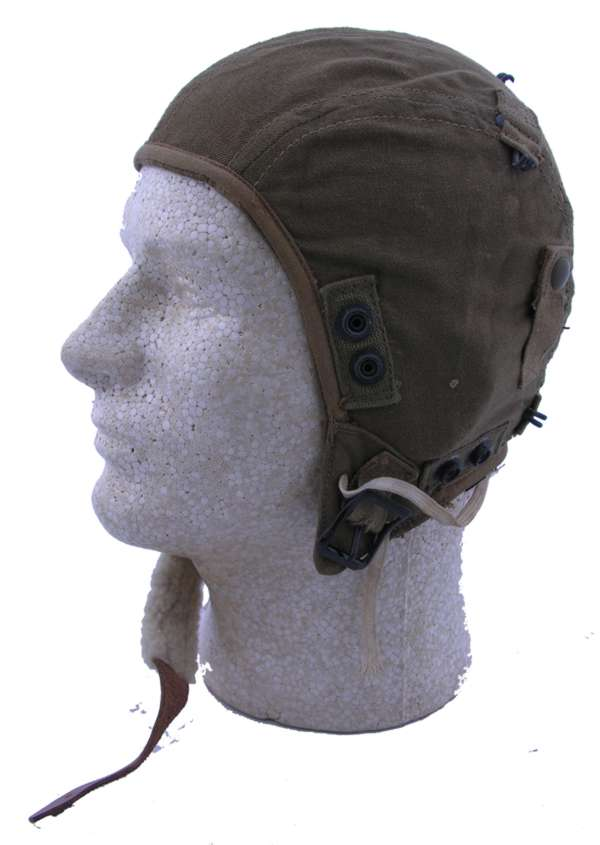 WW2 AAF A-9 Flight Helmet with oxygen mask snaps size large