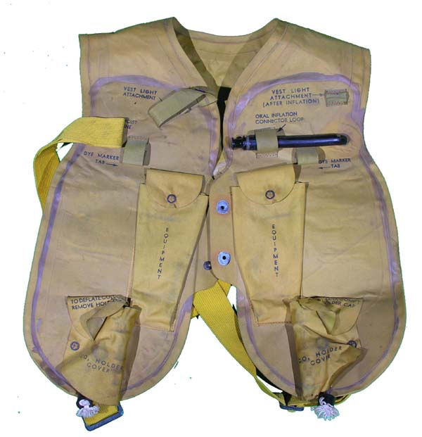 EARLY USN M-701 / Mark 2 Life Vest