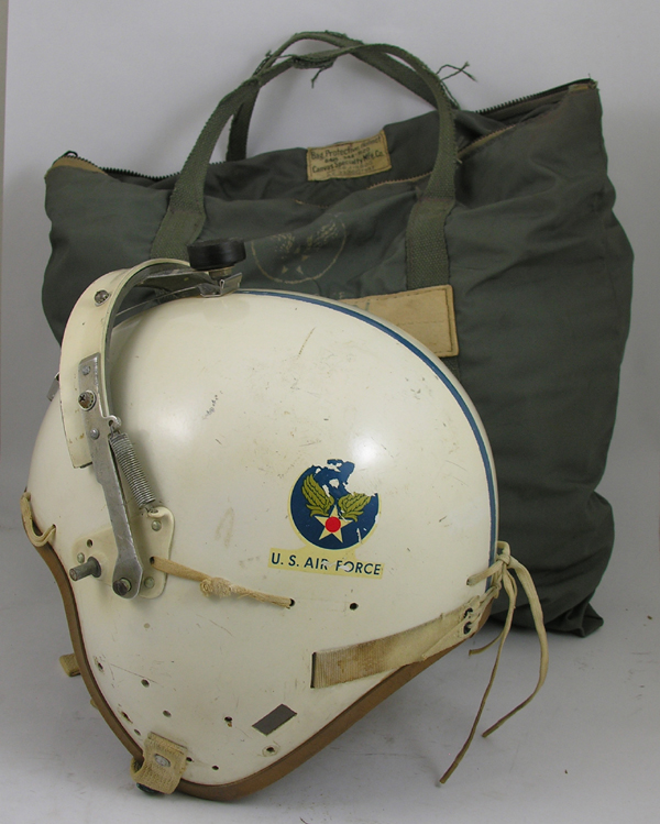 USAF P-4B Flight Helmet with helmet bag