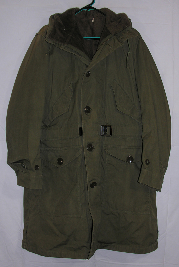 US Army Parka with hood and fur lining