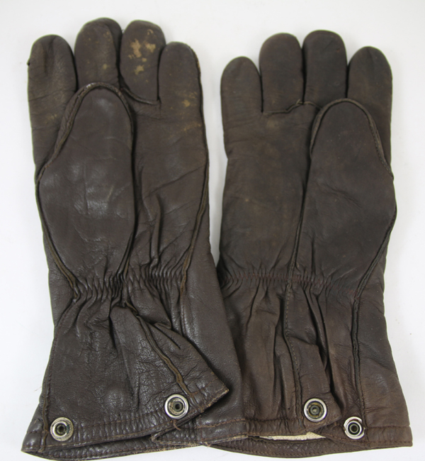 US Army Air Force F-2 and F-3 Electrically Heated Gloves