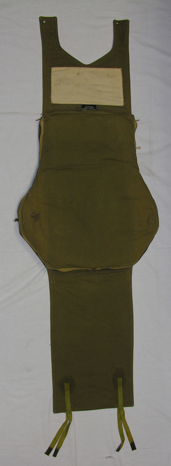 USAAF B-2 Survival Back Pad Kit