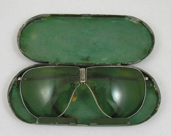 USAC D-1 Sunglasses with case