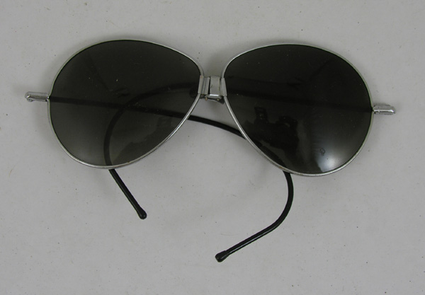 Vintage Dark Lense Aviator Sunglasses
