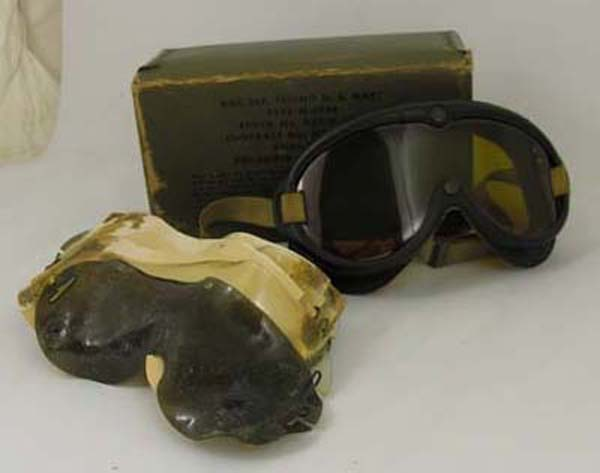 US Navy M-1944 Flying Goggles with box