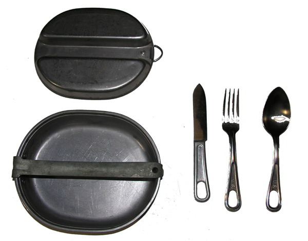 US GI Mess Kit with 3 piece silverware dated 1944