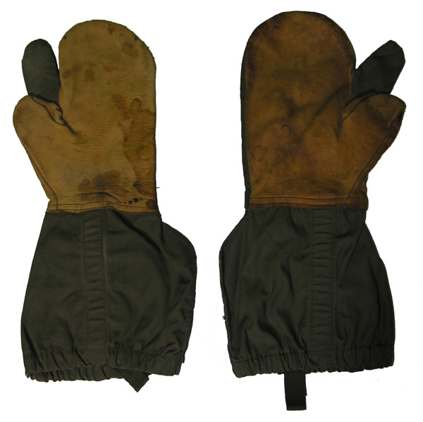 US GI Artic Mittens with Trigger Fingers and wool liners