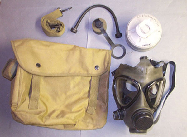 Draeger Karetta-M gas mask wit