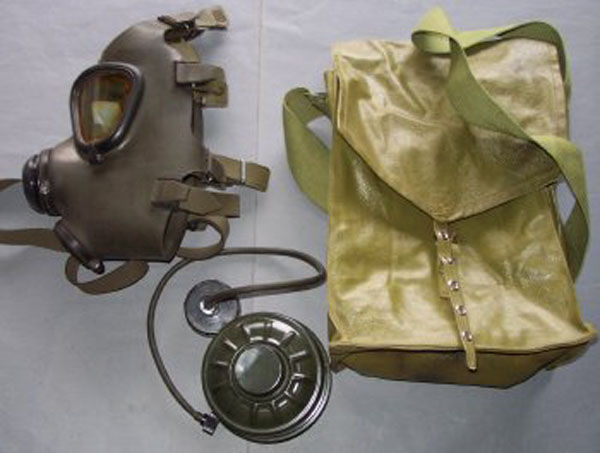 Iraqi M85 Gas Mask with filter