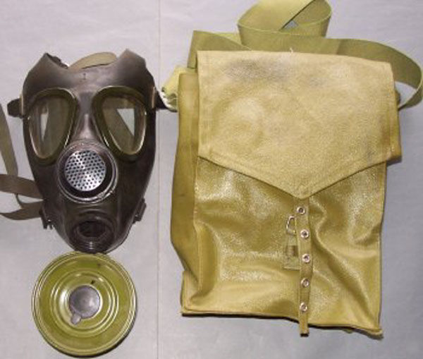 Iraqi M74 Gas Mask with filter