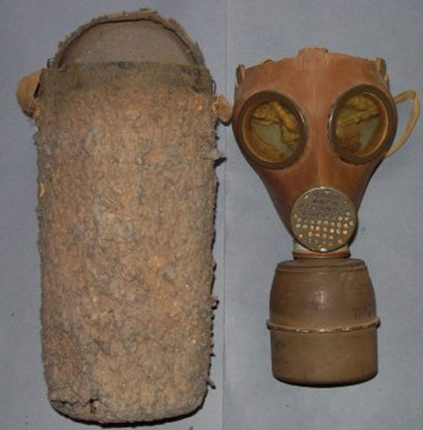 French C.38 Gas Mask with filt