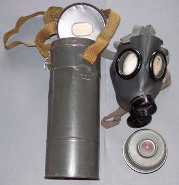 Czech Fatra FM-3 Gas Mask with