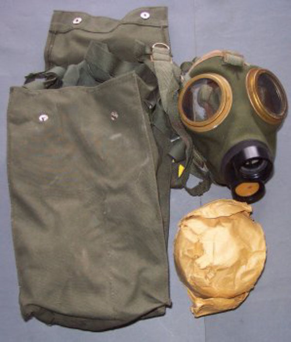 Hungarian M76 Gas Mask with fi