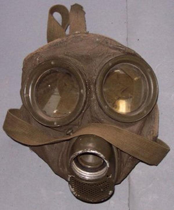 German GM-30 Gas Mask face pie