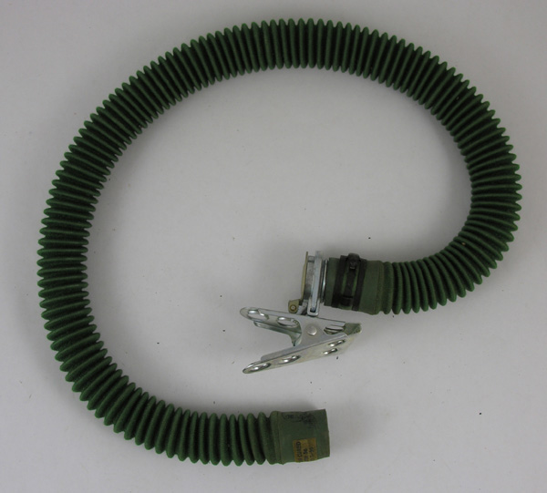 Oxygen Hose with Alligator Clip and Flip Cap