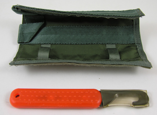 Parachute Shroud Knife and Green Case